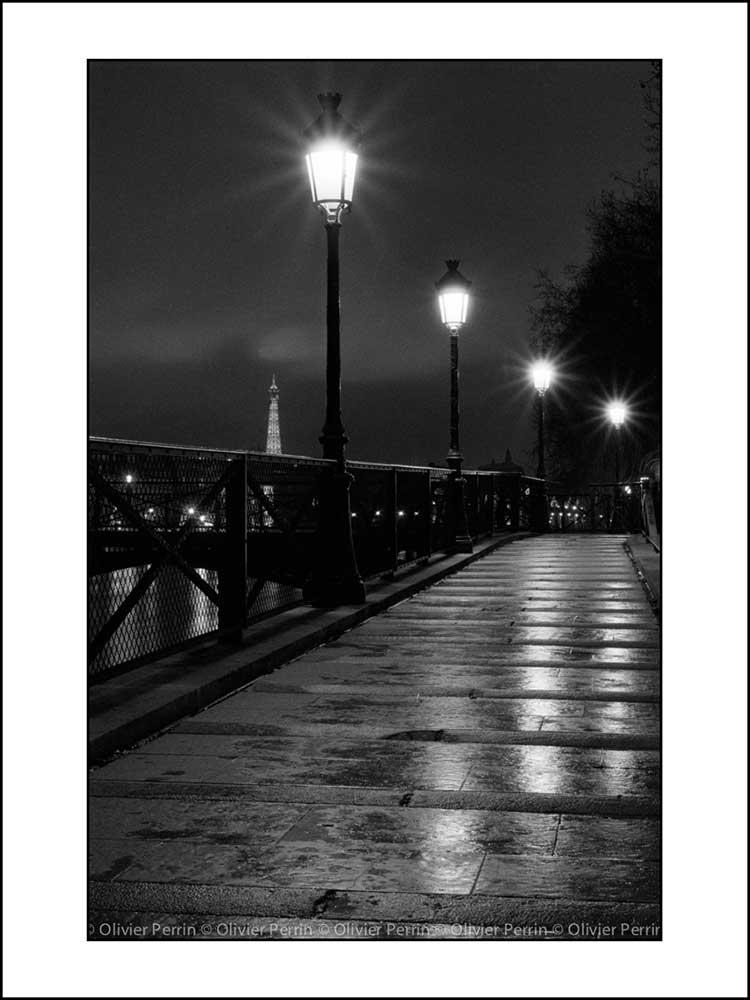 Par001 paris de nuit pont des arts