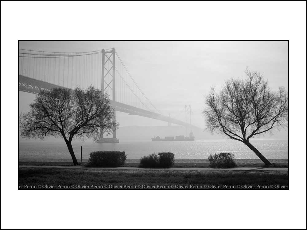 Lx032 Lisbonne. Portugal pont 25 avril