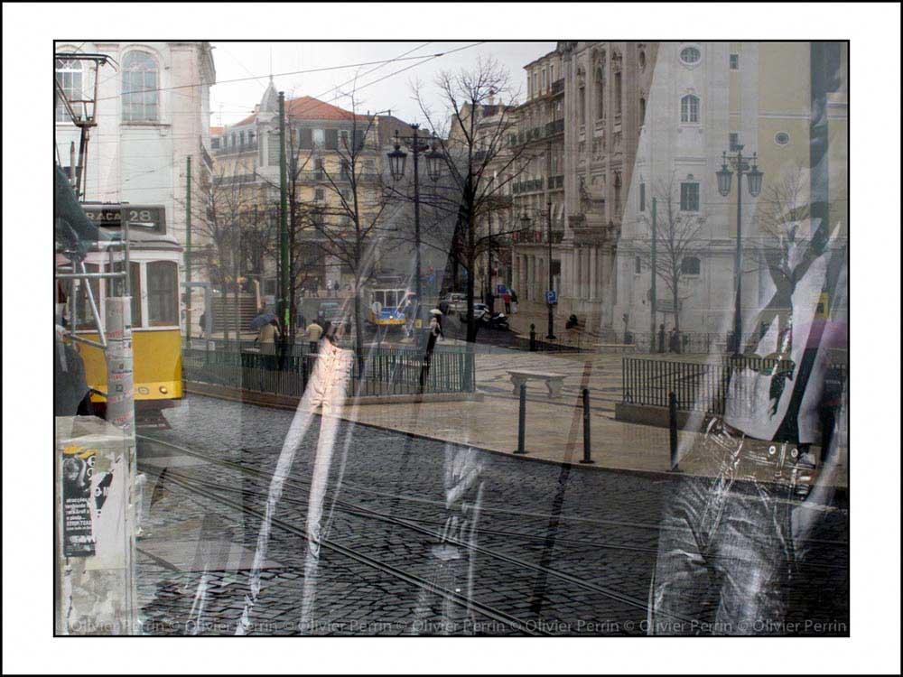 Reflets Praça Camoes. Tramway 28.
